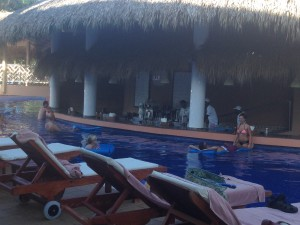 The pool bar was COOL.........